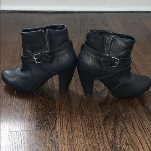 Madden Girl Heeled Booties Size 7